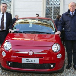 car-sharing-milano-eni-trenitalia-fiat-500-rosse-enjoy_05