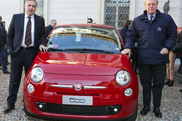 car-sharing-milano-eni-trenitalia-fiat-500-rosse-enjoy_05