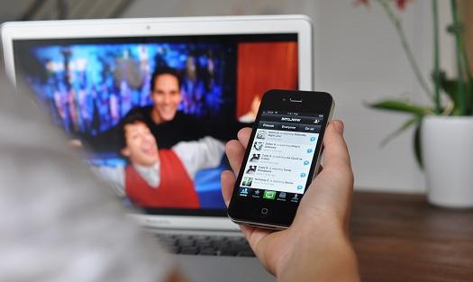 second-screen-Light-tv-viewers