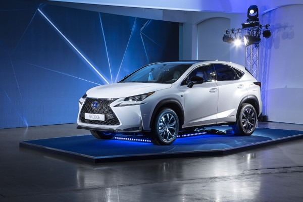 NX_Hybrid_Lexus