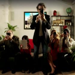 La webserie di vodafone del milanese imbruttito firmata for Proiettato in piani porticato gratis