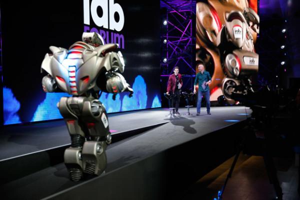 Iab-2017-titan-robot