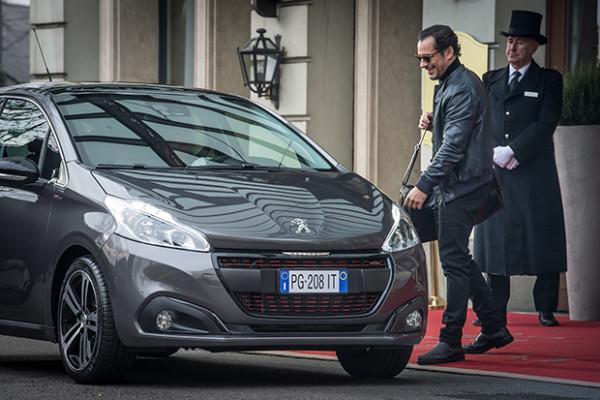 Peugeot-208-Stefano-Accorsi