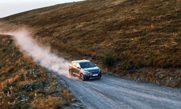 Peugeot-SUV-spot