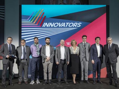 Innovators: foto di gruppo con le start up finaliste