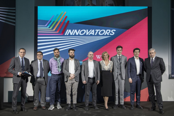 Innovators: foto di gruppo con le start up finaliste