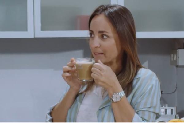Camila Raznovich-nescafé