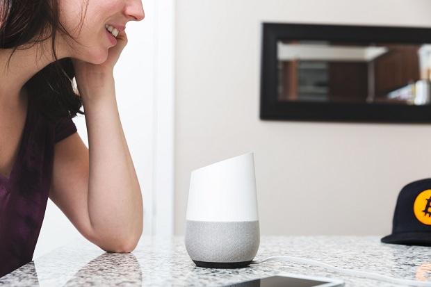 Google Home Assistant, Foto di Sarah Pflug/Burst