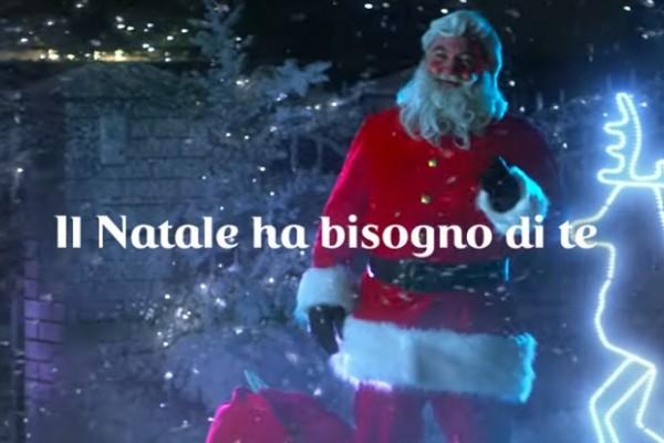 Immagini Per Il Natale.Coca Cola Torna On Air E Online Per Natale A Sostegno Di