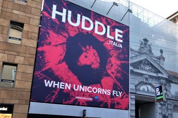 huddle-affissione-2018
