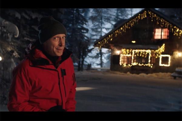 Immagini Natale Linus.Vodafone Festeggia Il Natale Con Il Christmas Pack Lo Spot E Con