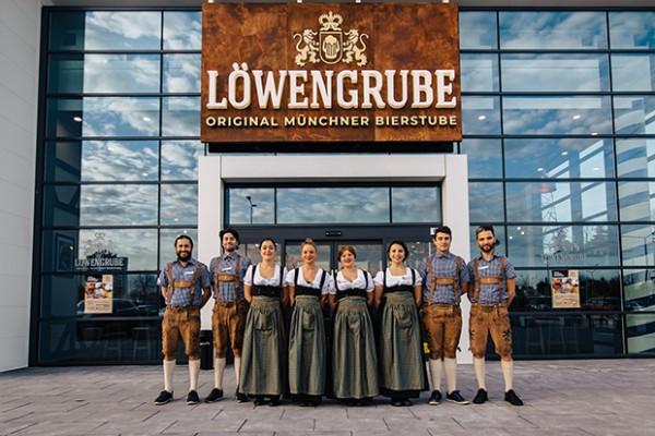 LOWENGRUBE-Makkie